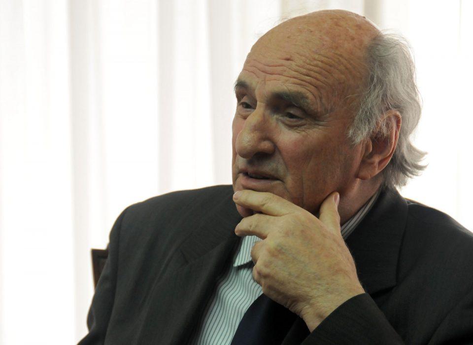 Институт за македонска литература: Заминувањето на академик Старделов е непроценлива загуба