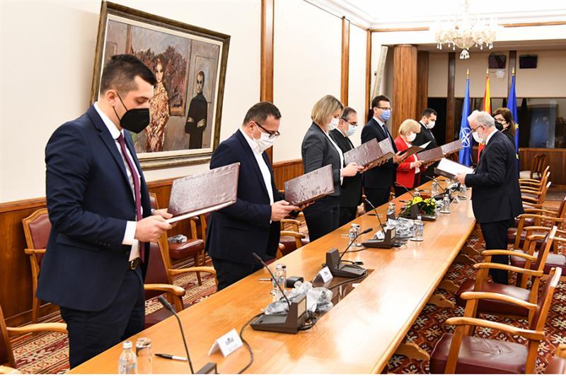 Свечени изјави на новоизбраните членови на ДИК