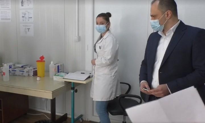 Филипче: Со измените на Законот за здравствено осигурување ќе се овозможи граѓаните брзо и ефикасно да добијат терапија во секое време, а државата да заштеди пари