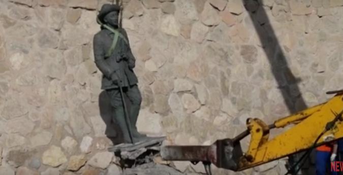 Шпанските власти го отстранија и последниот споменик на диктаторот Франсиско Франко