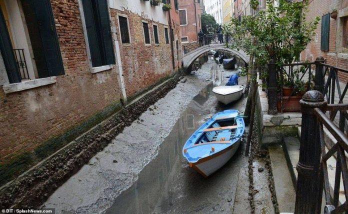 Kаналитe во Венеција пресушија по вторпат во последните три години