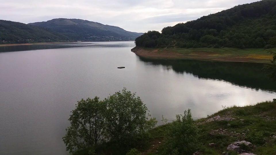 Инспекторат за животна средина: Хотели во Маврово испуштаат отпадни води во езерото и во Радика