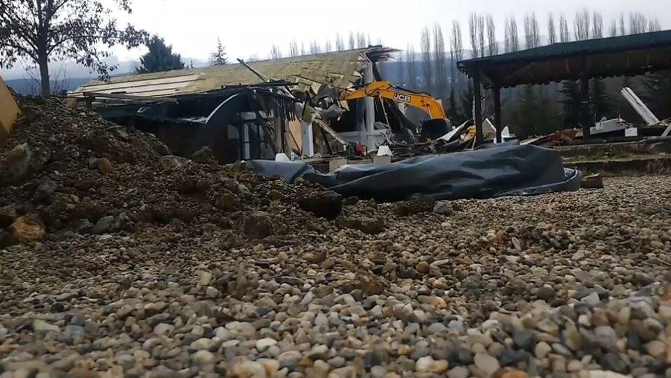 """Охрид СОС: Владата задоцни, објектот """"Парк"""" е веќе урнат!"""