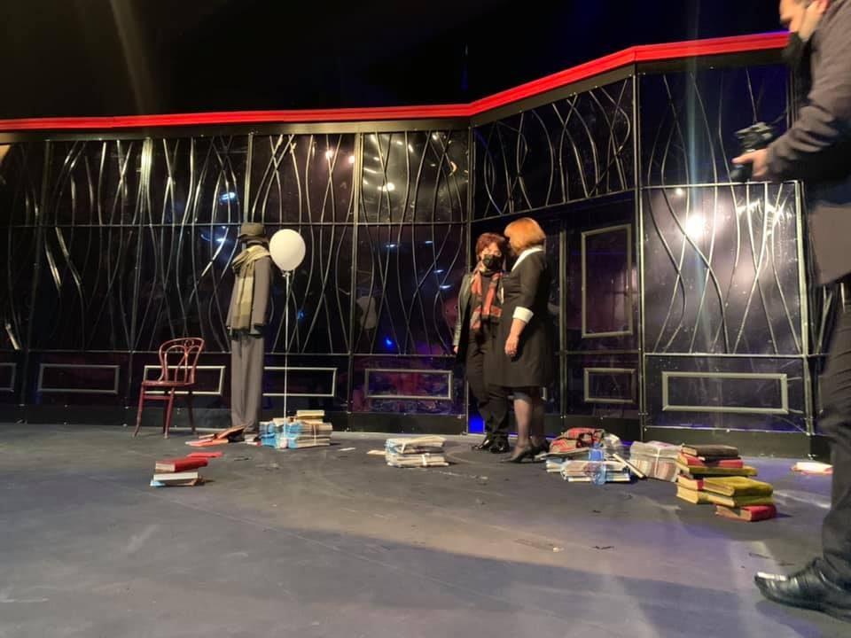 Стефоска честиташе роденден на Драмски театар: На некои сцени аплаузот го слушате и кога нема претстава