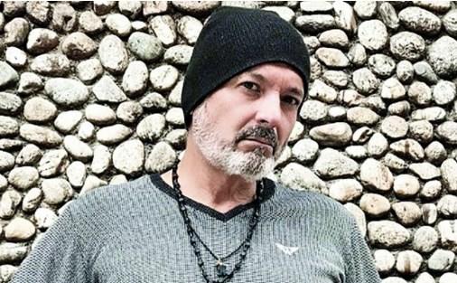 Аркан му дали на Ранду дрес од Обилиќ (ФОТО)