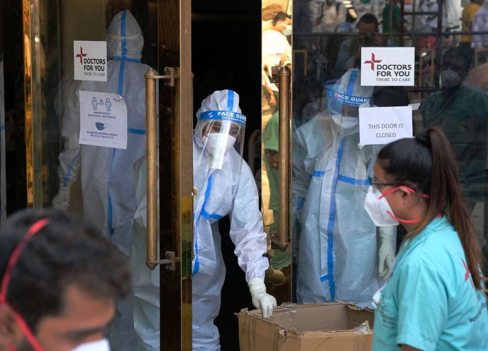 Њу Делхи затворен шест дена поради рекордниот раст на коронаинфекциите