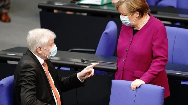 """Германскиот министер Зеховер не сака да се вакцинира со """"Астра зенека"""""""