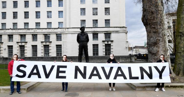 Уапсени најблиските соработници на Навални, сакале да протестираат