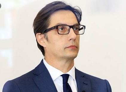 Претседателе се слушаме: Пендаровски молчи за преговорите со Бугарија