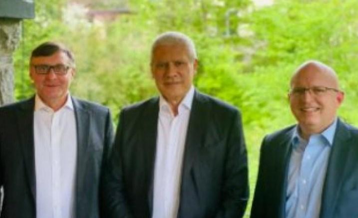 Taдиќ на Палмер и Рикер им дал збор дека ќе го исполни она што не сака Вучиќ (ФОТО)