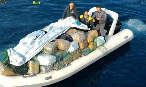 Aлбанец падна со дрога вредна четири милиони евра