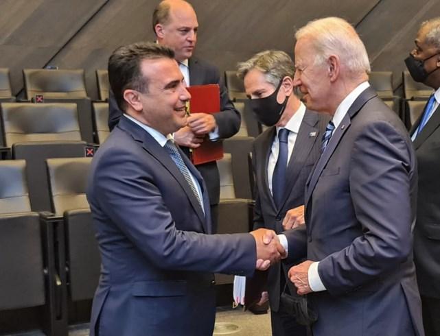 Заев се виде со Бајден, го покани да дојде во Македонија