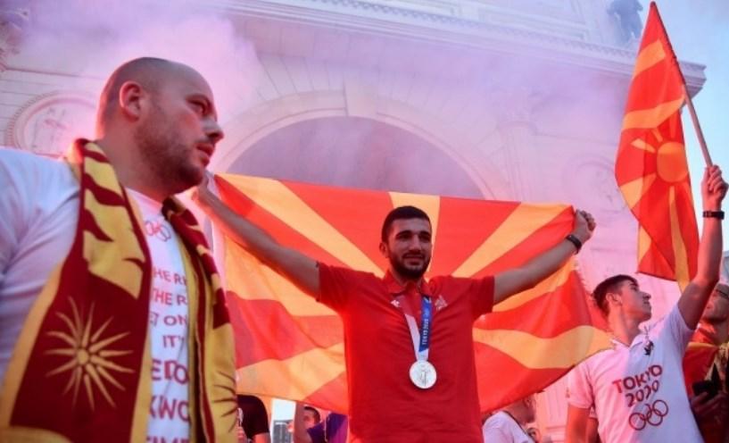 """Власта се исплаши од скандирањето """"Македонија"""" и не дојд на пречекот на Дејан"""