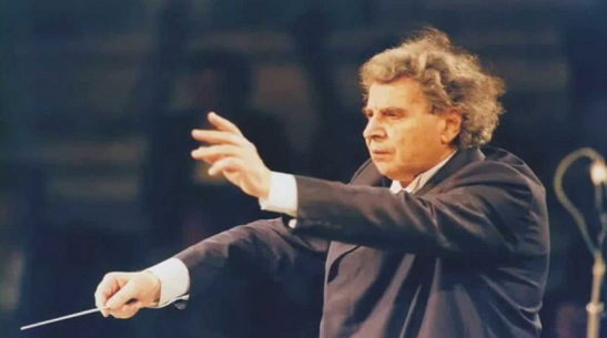 Почина познатиот грчки композитор Микис Теодоракис